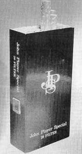 Appareil photo espion URSS dans un paquet de cigarettes John Player Special